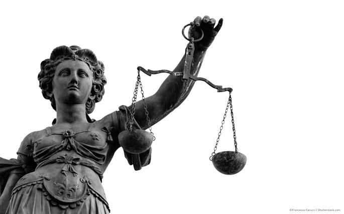 justitia-mit-waage